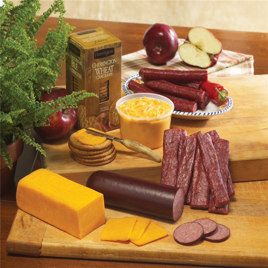 929_Nueskes_Snack_Assortment_Gift_Cheese_Sausage