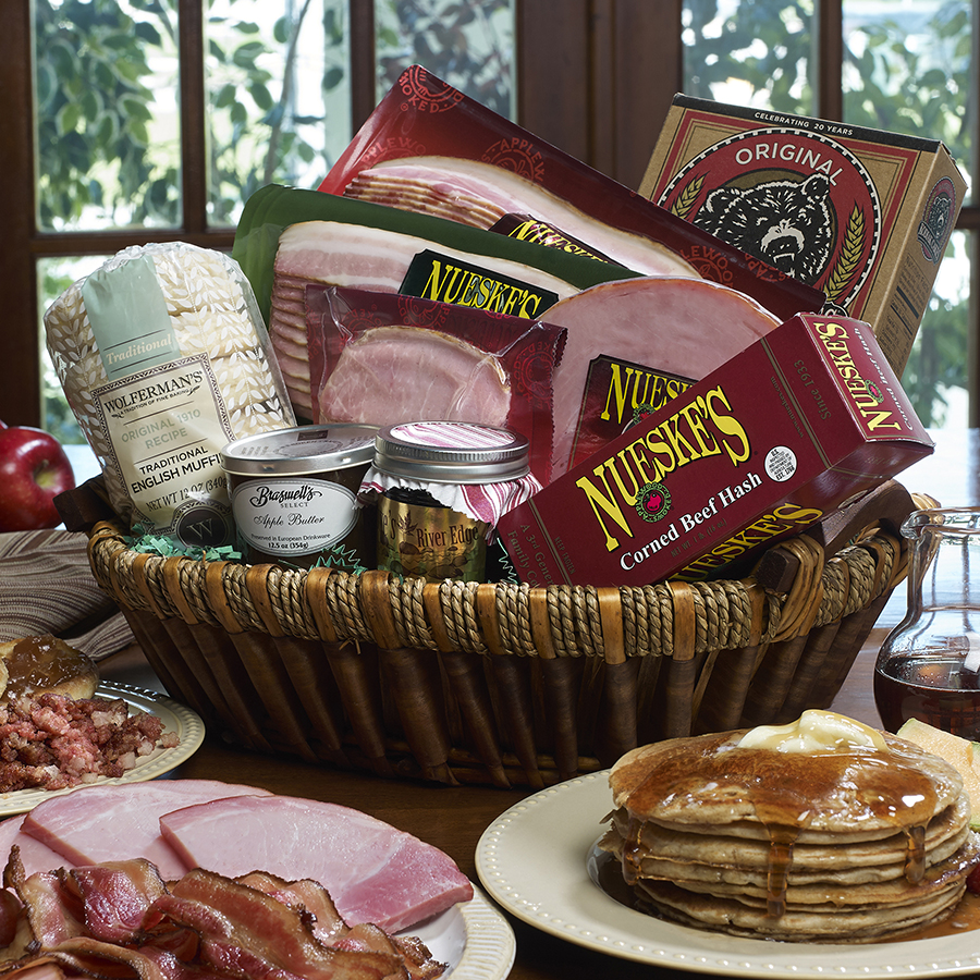973_Bountiful_Breakfast_Basket_900x900