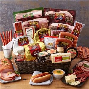Nueske's Smoky, Sweet & Spicy Gift Basket