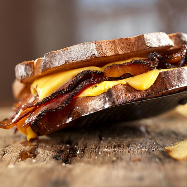 Pepper_Bacon_Grilled_Cheese_Sandwich_Nueskes_Recipe